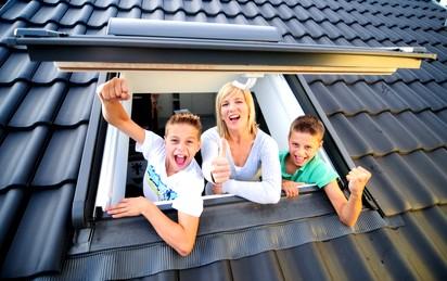 Ein praktisches Dachfenster ist mit den Dachdeckern Magdeburg schnell eingebaut!